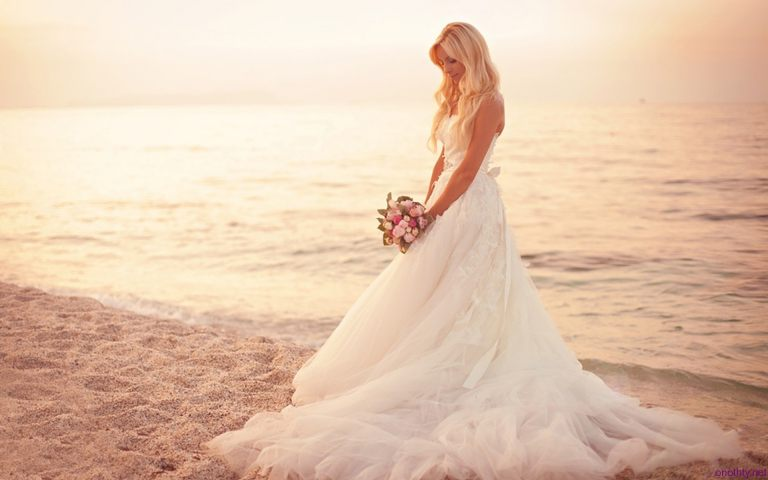 Beach-Wedding-Dresses-Pictures-HD-Wallpaper