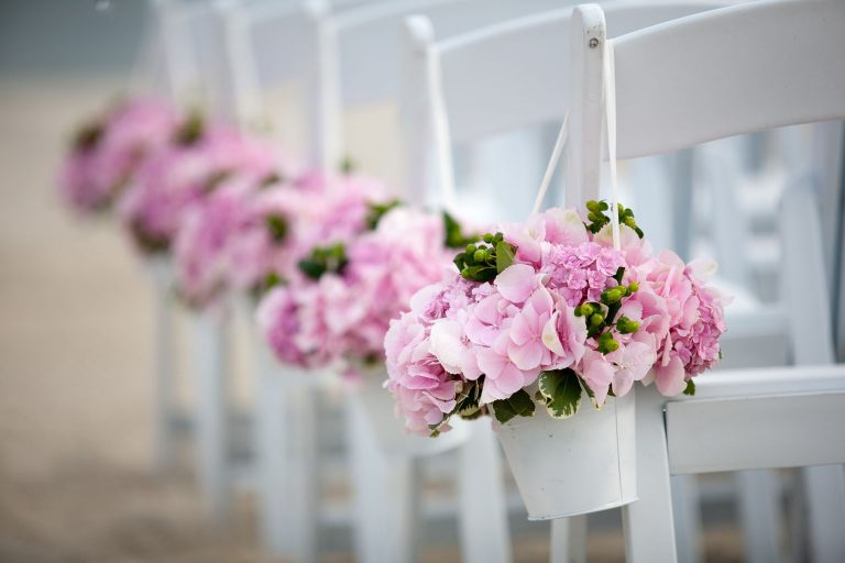 cape-cod-wedding-pink-hydreanga-aisle-runners